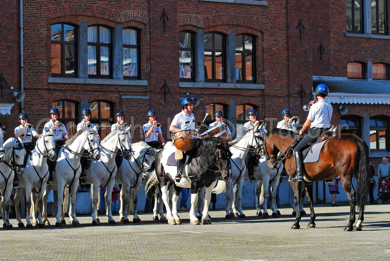 Trumpeters and a kettledrum of the federal mounted police.