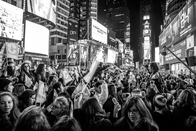 C-Teen Shabbaton Times Square kids from around the world0015.JPG