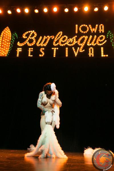 burlesque day2 edits (273 of 123).jpg