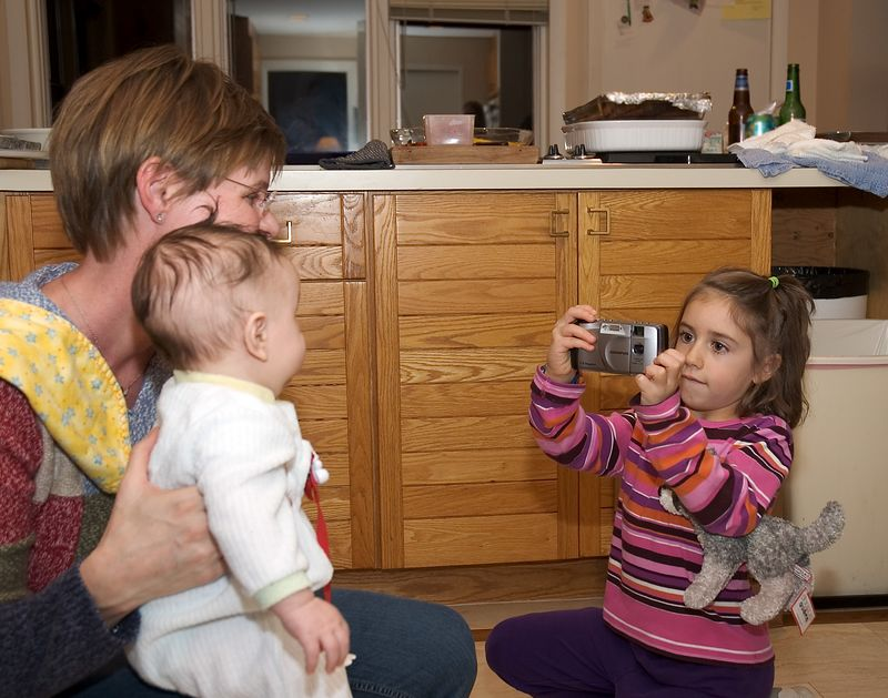 Rebecca takes a picture of Noah   (Nov 26, 2004, 05:36pm)