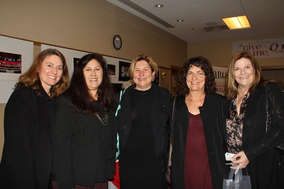 Mayfield Senior Invites Mothers to Christmas Luncheon