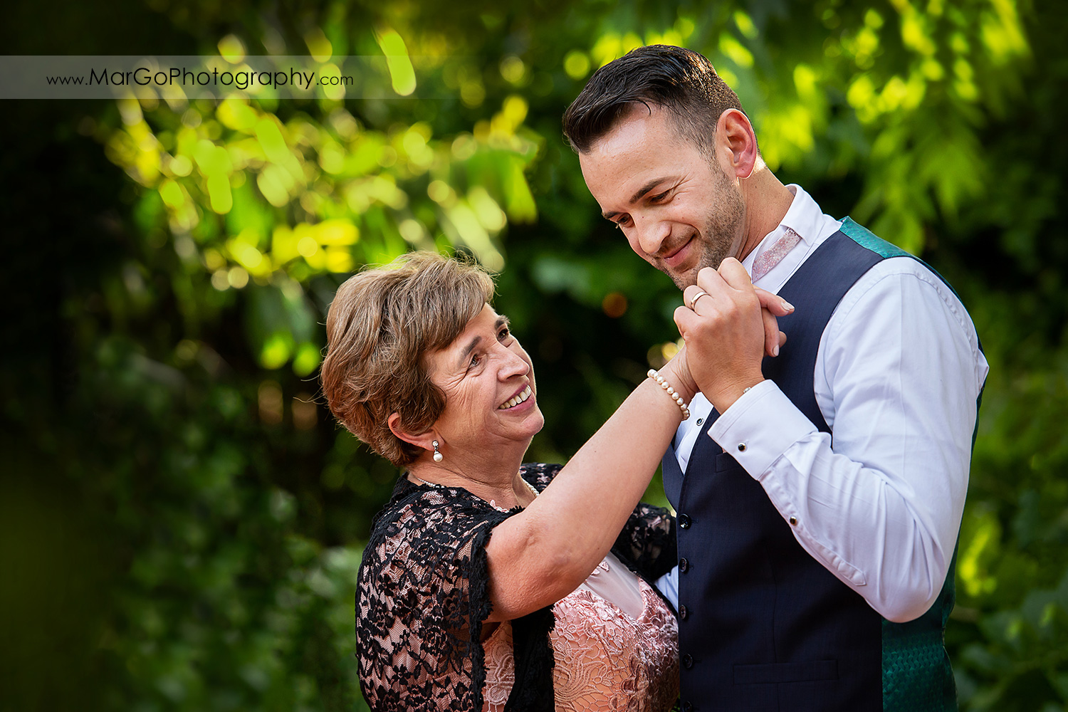 groom dancing with his mother during wedding reception at San Pablo Rockefeller Lodge