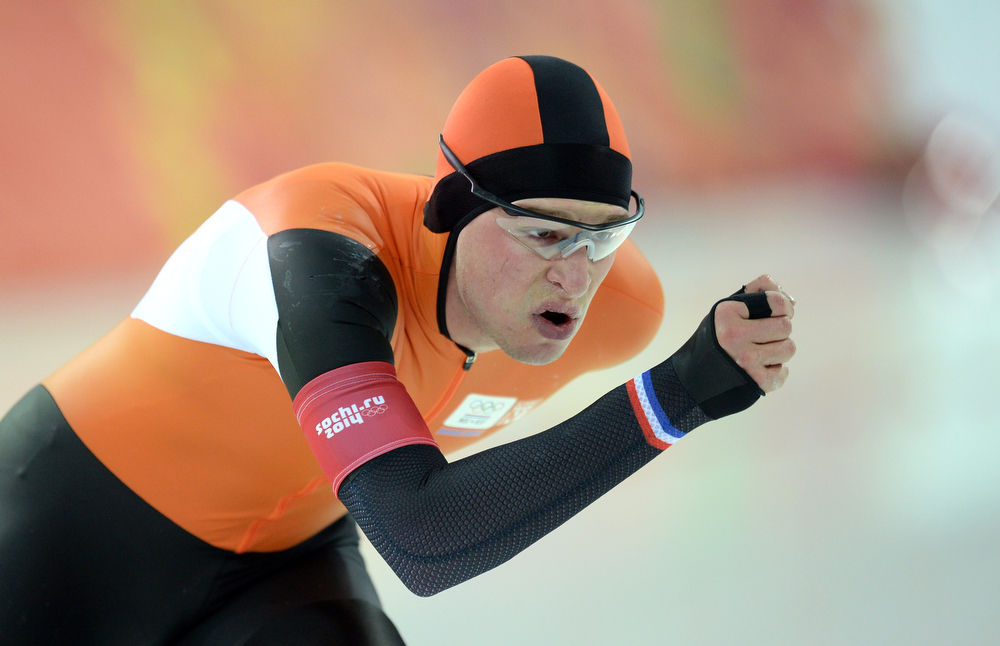 . Netherlands\' Sven Kramer competes in the Men\'s Speed Skating 10000 m at the Adler Arena during the Sochi Winter Olympics on February 18, 2014.  (JUNG YEON-JE/AFP/Getty Images)