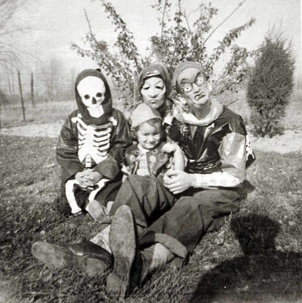 Mom,Dad, Ewin and George Ready for holloween.JPG