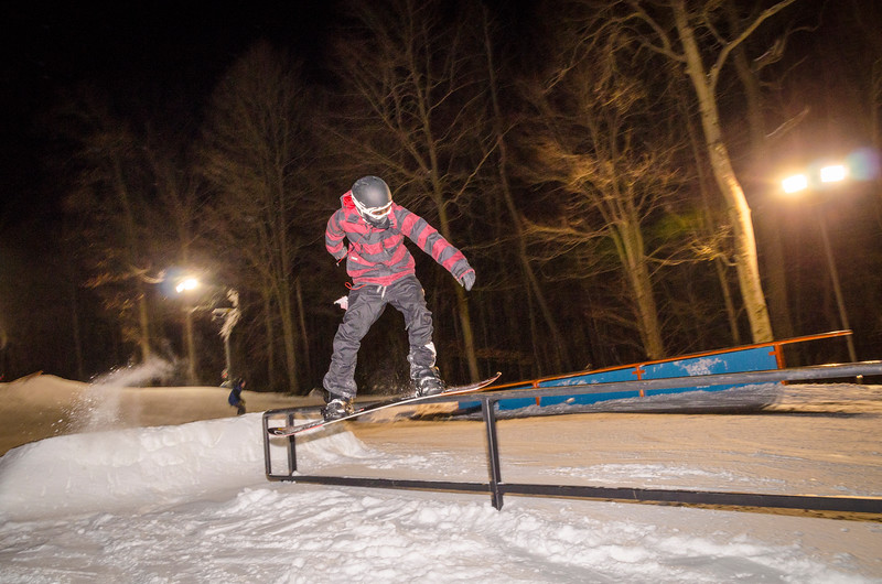 Nighttime-Rail-Jam_Snow-Trails-130.jpg