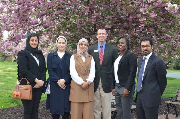 A Delegation from Qatar Visits FUMA