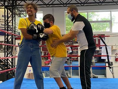 Initiation à la boxe et au karaté - mardi