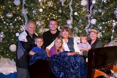 Christmas Drive Thru Family Photos 2017