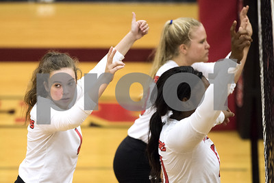 volleyball-tyler-lee-rallies-from-21-down-to-grab-road-win-at-longview