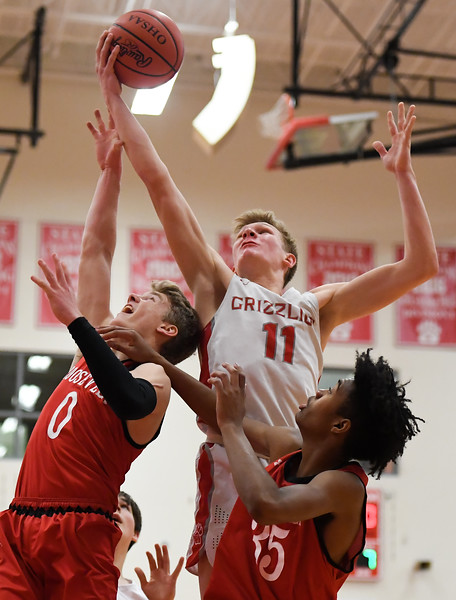 Wadsworth beats Kent Roosevelt with inside game