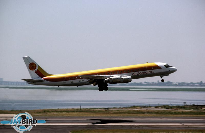 6Y-JGE_DEC81JFK.jpg