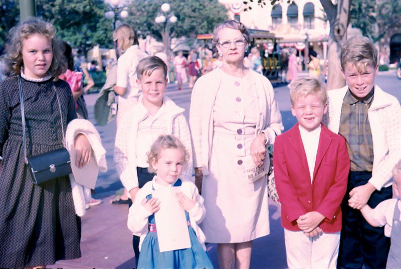 0033 - maud, jeannette, ted, mark, todd, linda, mike.jpg
