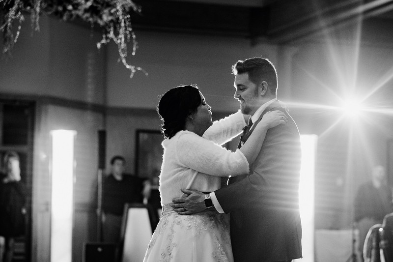 Tracy & Brandon's snowy Eagle Ridge wedding