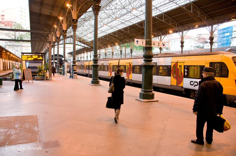 Fri 3/18 in Porto: Regional trains