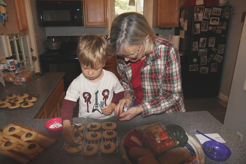 making spider cookies