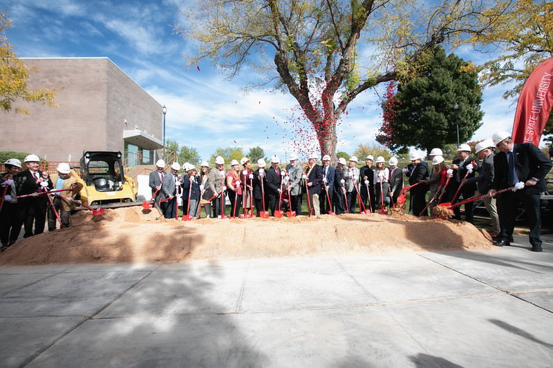 SCIENCE BUILDING GROUND BREAKING 2019-8945-Edit.jpg
