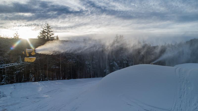 Snowmaking 1920-0075.jpg