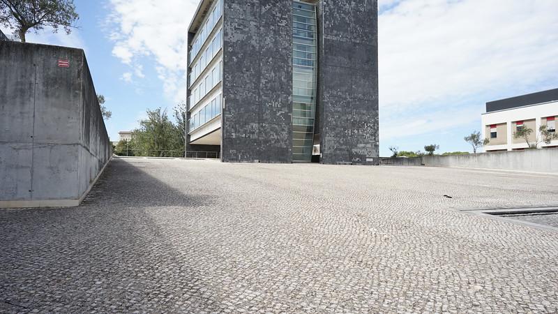 Modern bulding Lisboa (332).JPG