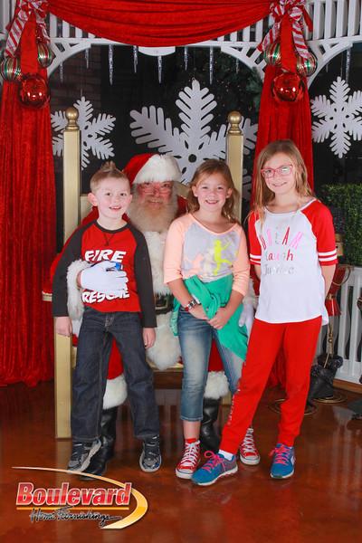 Santa 12-10-16-231.jpg