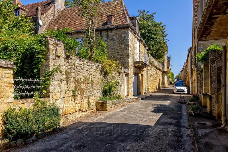 Rue des Consuls