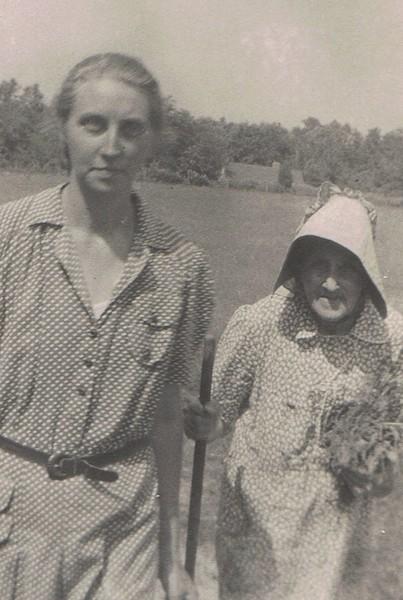 AuntLouise and Grandma.jpg