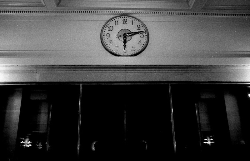 Grand Central terminal - Kissing Room Clock