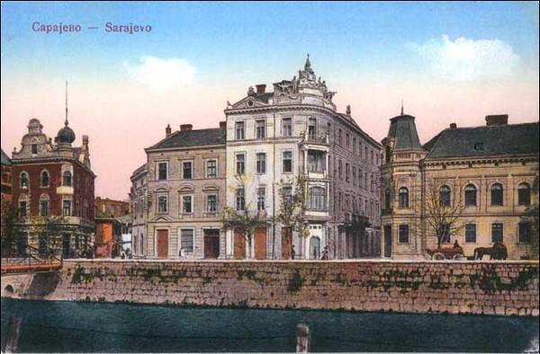 Prosvjetin dom, zgrada kulturno-prosvjetnog drustva Srba - Prosvjeta izgradjen je 1911. g.