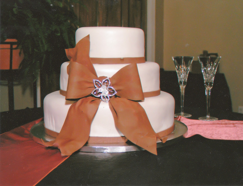 Ashley's Wedding Cake (1 of 1).jpg