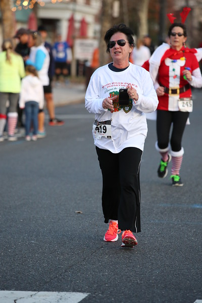 Toms River Police Jingle Bell Race 2015 - 01225.JPG