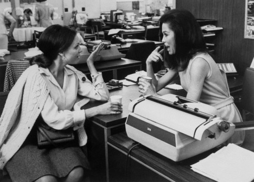 """. Mary Tyler Moore, right, with Valerie Harper in \""""The Mary Tyler Moore Show.\"""""""
