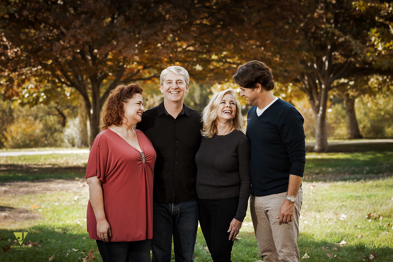 Jones Family at the Balboa Lake-9.jpg