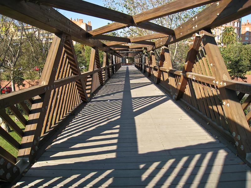 Bridge over highway. (Dec 13, 2007, 11:52am)