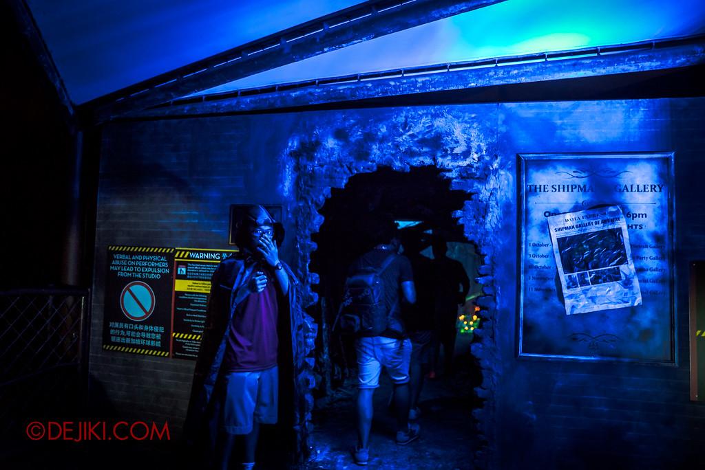 Halloween Horror Nights 6 - Bodies of Work / Shipman Gallery entrance