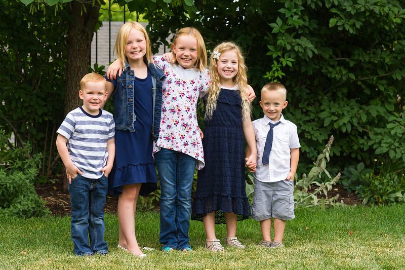 AG_2018_07_Bertele Family Portraits__D3S4081-2.jpg