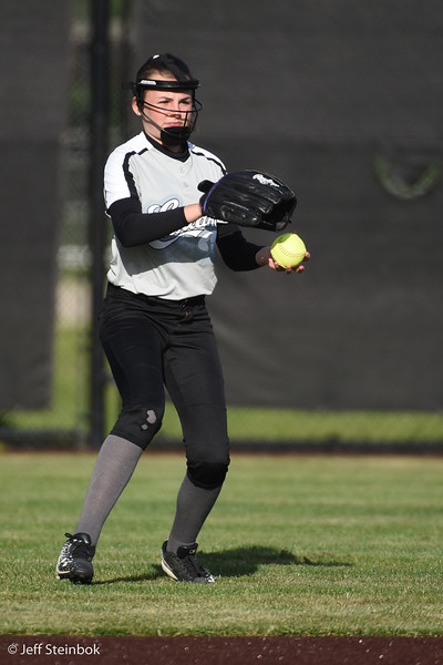 Softball - 2019-05-13 - ELL White Sox vs Sammamish (13 of 61).jpg