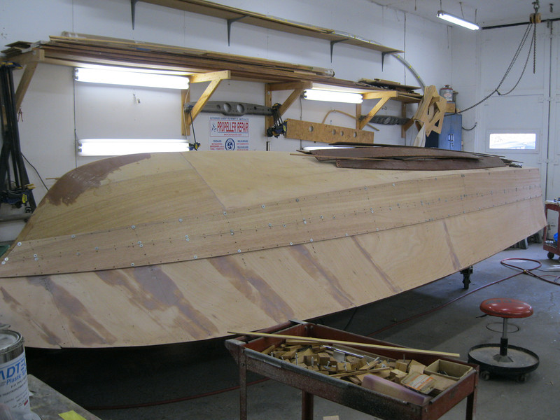 Front strboard view of the first two planks fit.
