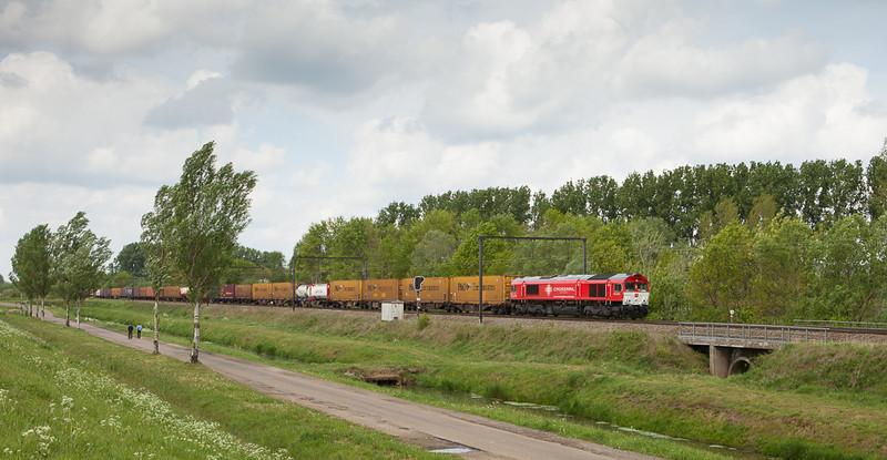 Crossrail DE 6308 on the 43713 (Genk-Goederen - Novara/I) in Schulensmeer.