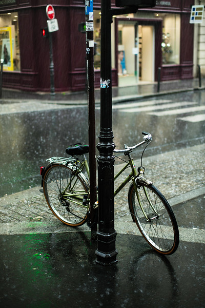 bike in rain paris.jpg
