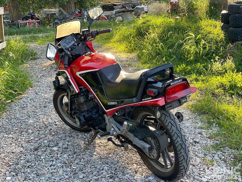 Suzuki GS550ES -  (5).jpg