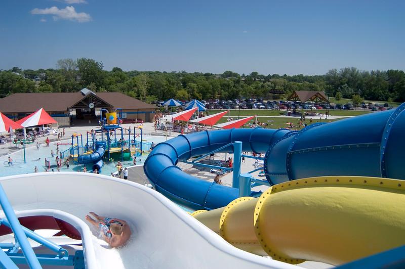 aberdeen aquatic center slides
