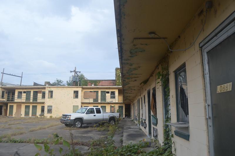 153 Abandoned Motel.jpg