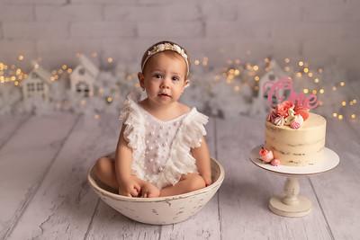 Amalia • Smash the cake