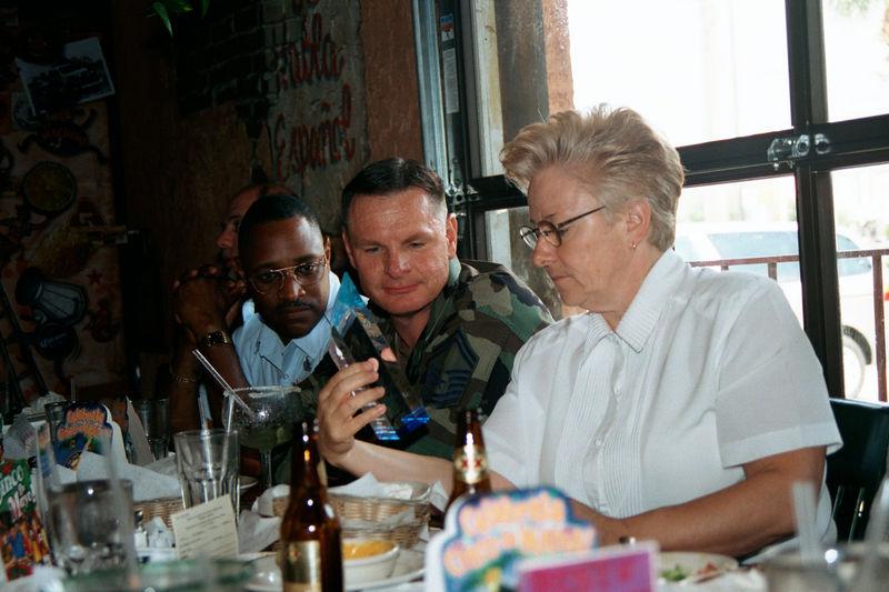 2002 05 20 - Lt Shannons lunchon 05.JPG