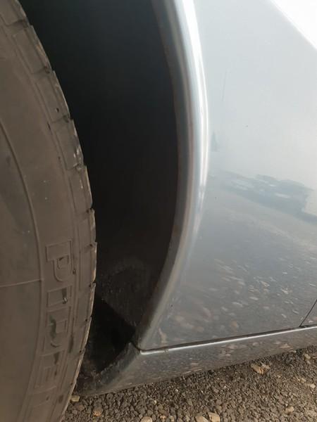 Right rear wheel arch