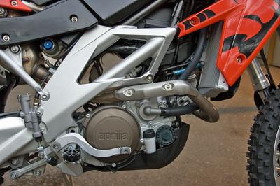 Clifs Aprilia RXV 550