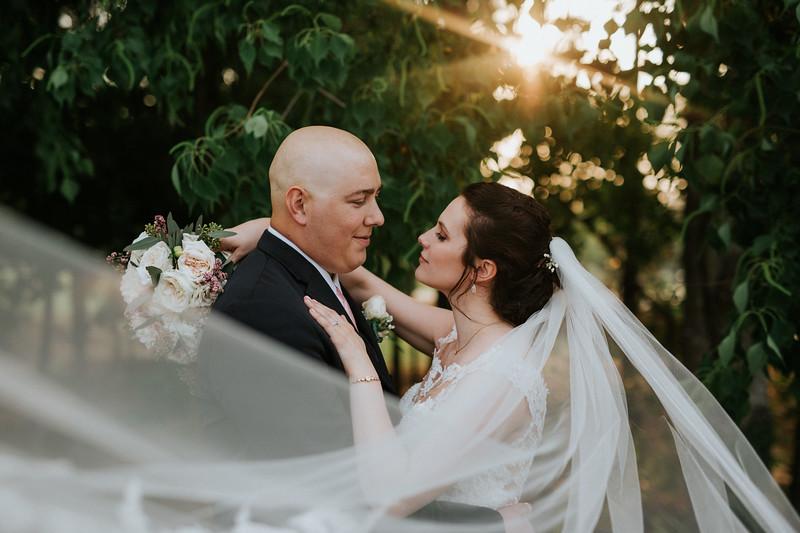 A cozy, love-filled wedding at Big Sky Barn