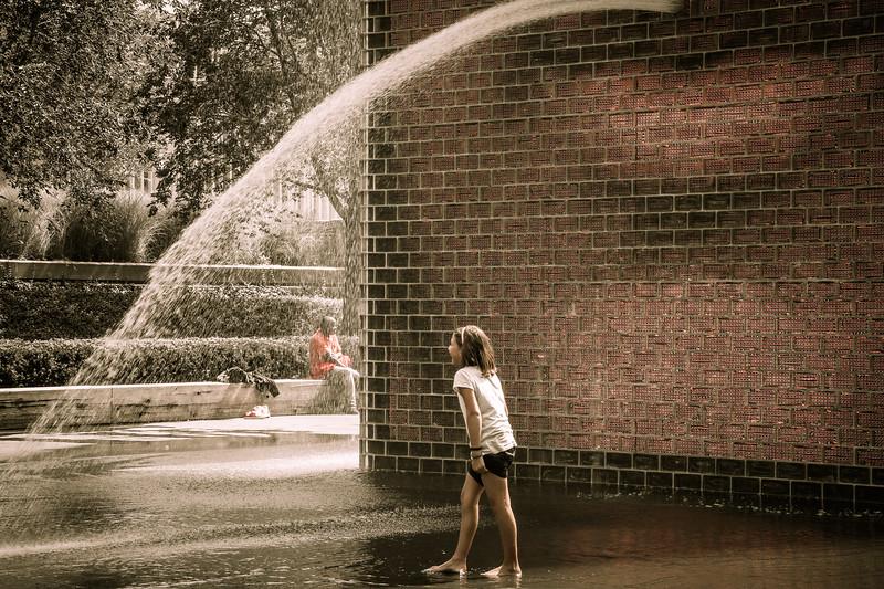 Millenium Park fountain Chicago