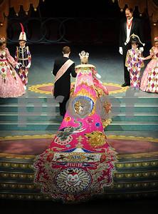 wild-costumes-live-up-to-cirque-de-la-rose-theme-at-coronation
