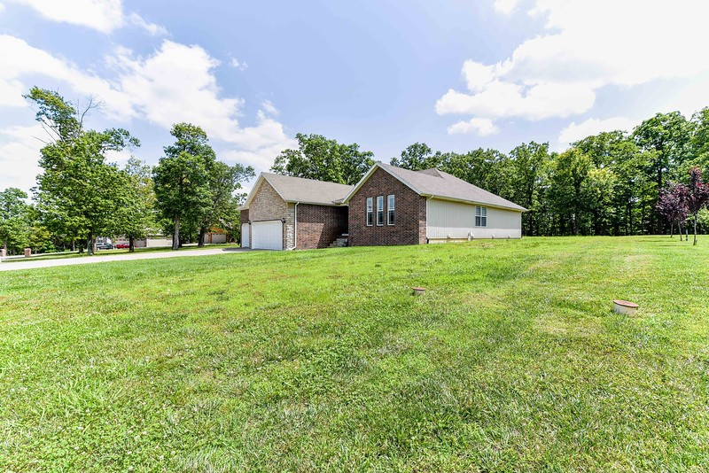 370 South Woods Way, Branson, MO