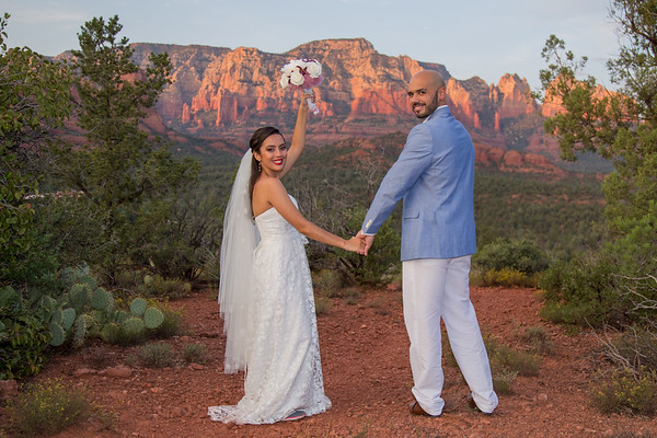 Sedona Elopement Weddings Basic Plus Photos Package